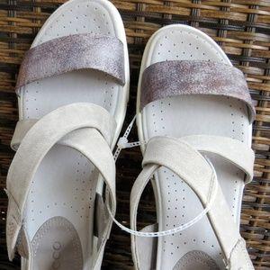 ECCO Womens Damara Crisscross Flat Sandal
